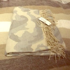 Accessories - Camo Blanket Scarf NWT